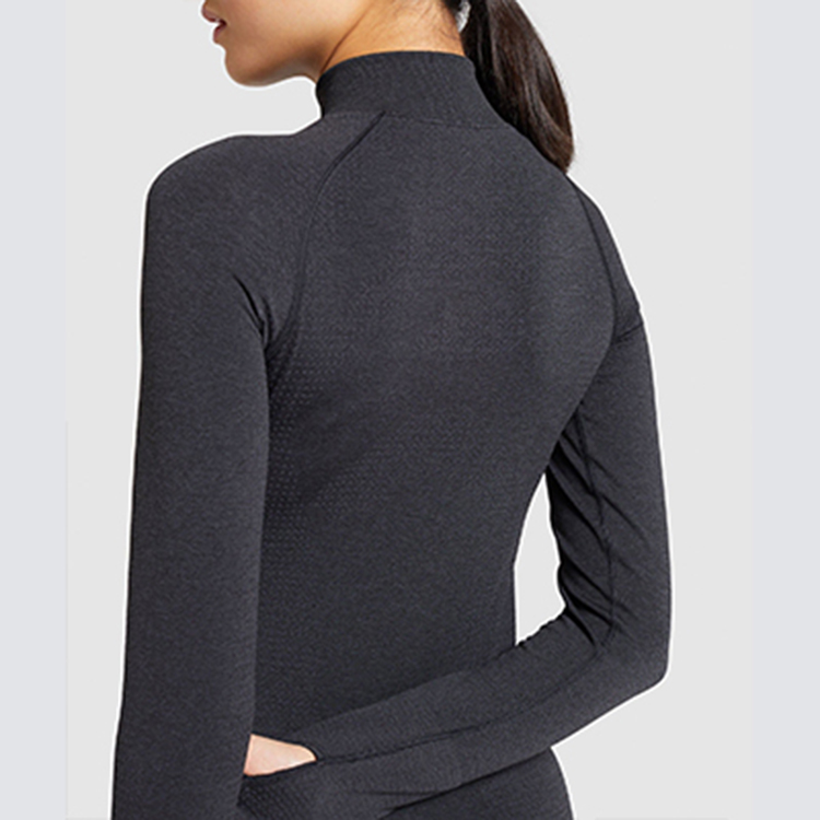 Stretch fit and soft seamless knit fabric seamless crops